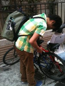 Dry Tank DX 25L - Olive in Taichung Taiwan daily life